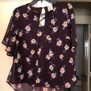 Women's Japna blouse. Size M short sleeved lined.